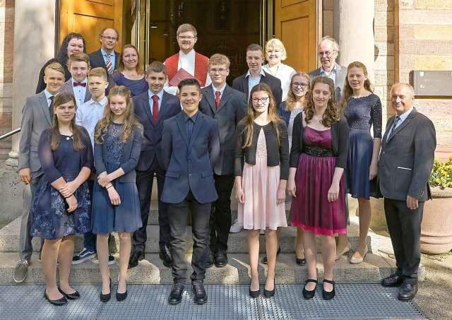 Konfirmanden Evangelische Kirchengemeinde Sand Neusatz